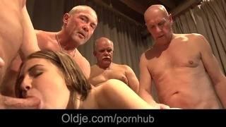 5 öreg geezer Gang Bang széles egy csúnya fiatal szőke